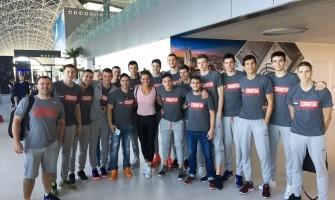 Juniori sa Sandrom Perković na odlasku u Francusku (foto: hks-cbf.hr)